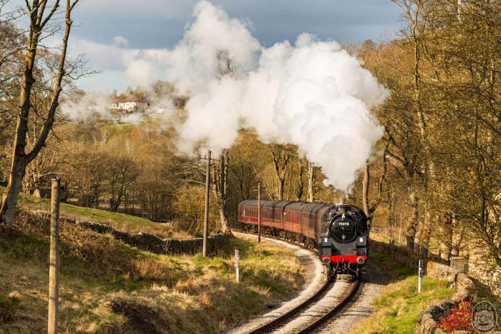 British Railways Class 4MT 4-6-0 75078, steaming towards Oxenhope with last service of the day.